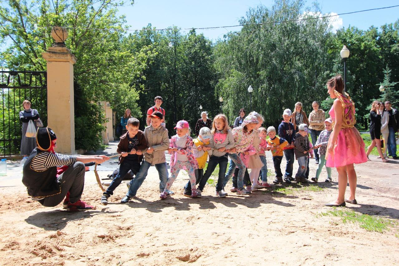 Ежегодное поздравление с Днем защиты детей